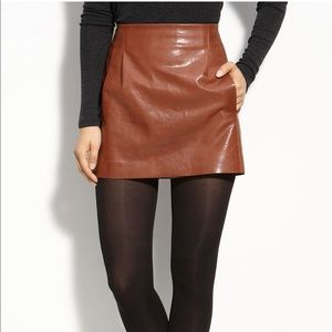 Vince size 2 leather mini skirt with pockets
